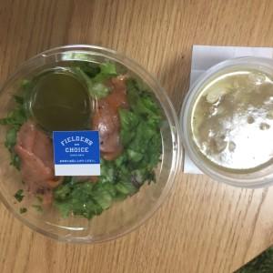 フィルダースチョイスのサラダとチキンスープ